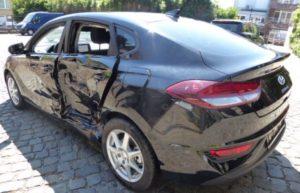 beschadigd nederlands voertuig